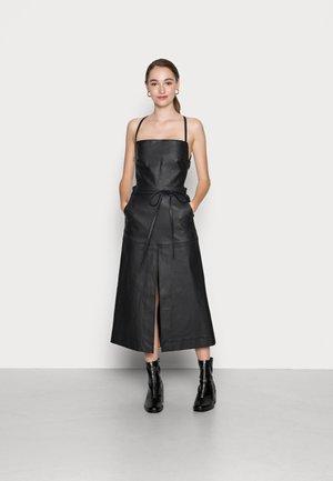 DE-STRA-SP - Day dress - black
