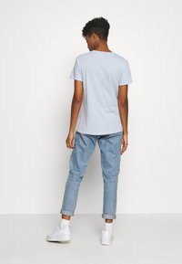 Cotton On - CLASSIC DISNEY - T-shirt con stampa - kentucky blue - 2