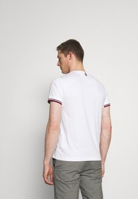 Tommy Hilfiger Tailored - TOMMY X MERCEDES-BENZ - Print T-shirt - white - 2