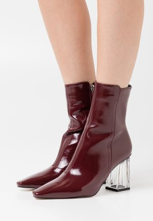 DAISIE - Bottines - burgundy