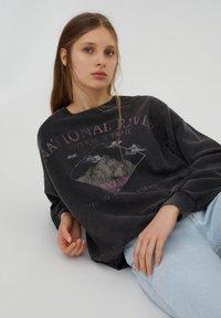 PULL&BEAR - Mikina - mottled dark grey - 4