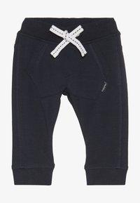 Noppies - SLIM FIT PANTS MATTHEWS - Kalhoty - dark sapphire - 2
