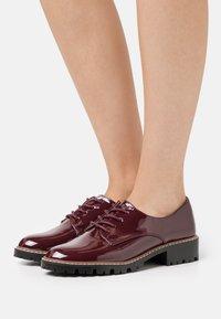 Dorothy Perkins - LIZZO CLEAT SOLE LACE UP - Šněrovací boty - oxblood - 0
