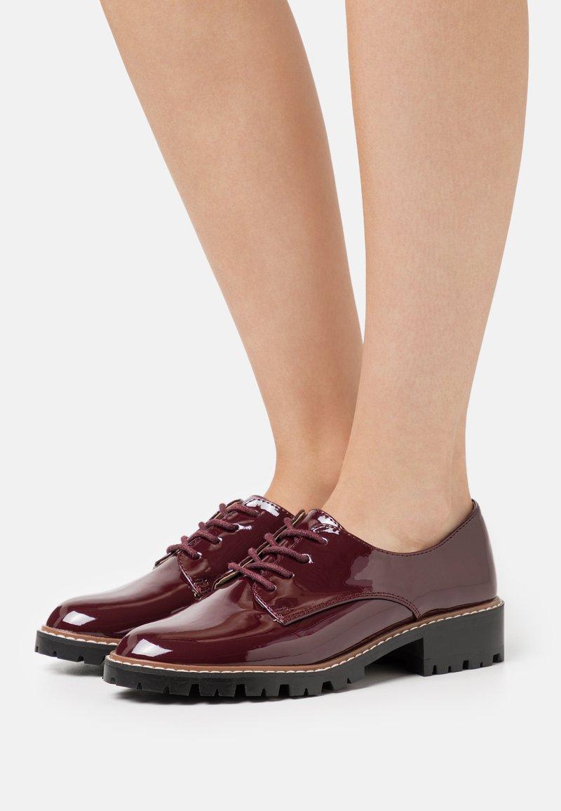 Dorothy Perkins - LIZZO CLEAT SOLE LACE UP - Šněrovací boty - oxblood