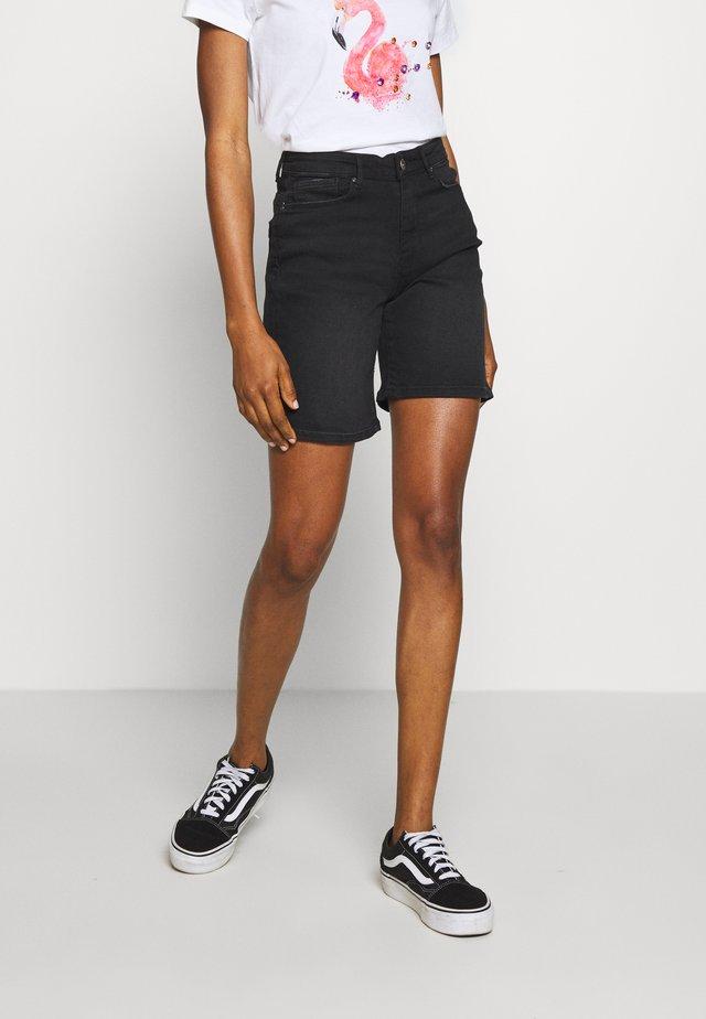 ONLPAOLA SHORTS - Shorts vaqueros - black denim