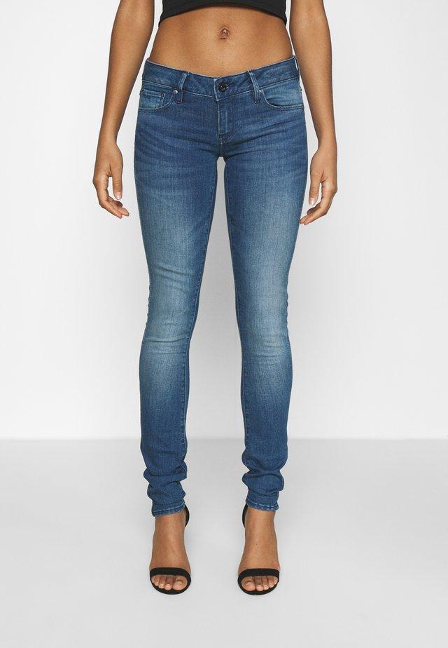 3301 LOW SUPER SKINNY - Skinny džíny - faded neptune blue