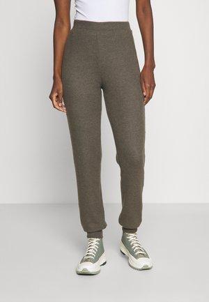 PCCIRCLE REGULAR PANT - Trousers - black olive melange