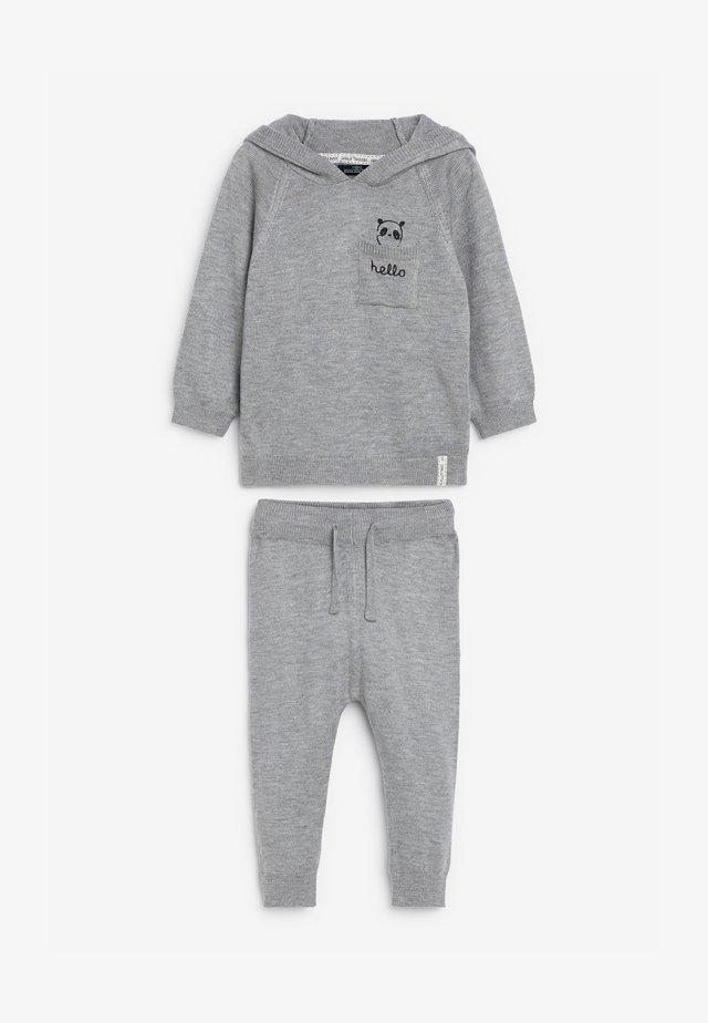 Chándal - grey