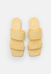 Billi Bi - Pantofle - yellow - 5