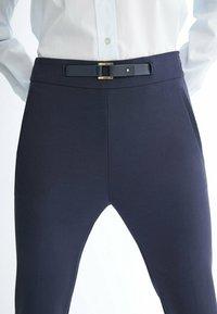 Massimo Dutti - FLANELL  - Pantalon classique - dark blue - 3