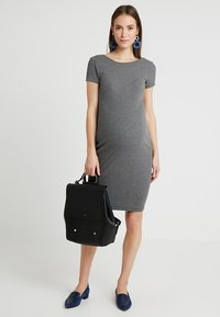 Zalando Essentials Maternity - Etuikjoler - dark grey mélange