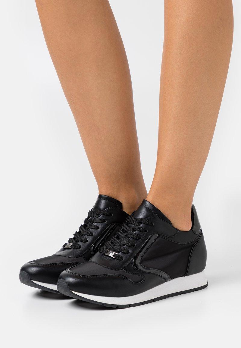 Tata Italia - Zapatillas - black