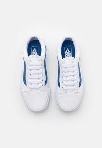 Vans - OLD SKOOL UNISEX - Sneakers laag - nautical blue/true white - 3