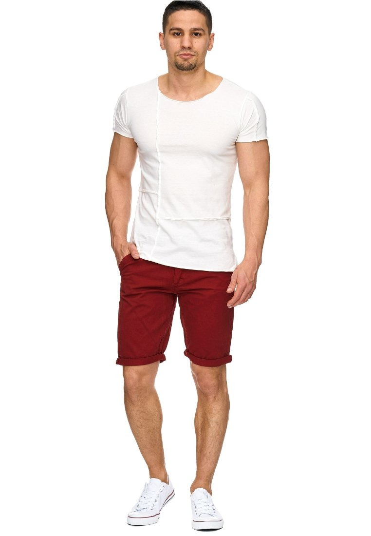 INDICODE JEANS - CASUAL FIT - Shorts - rot tomato