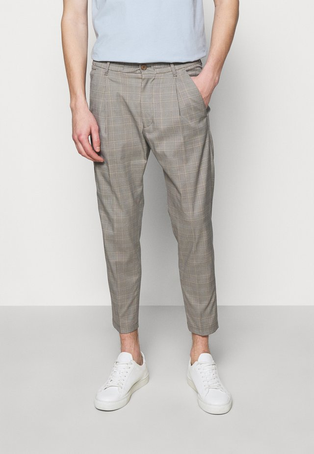 CHASY - Stoffhose - light grey