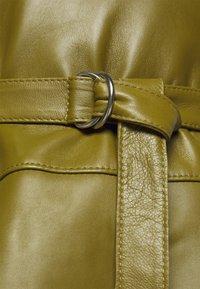 Proenza Schouler White Label - LIGHTWEIGHT BELTED DRESS - Robe d'été - military - 8