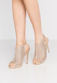 Laura Biagiotti - Sandaler med høye hæler - star light gold - 0