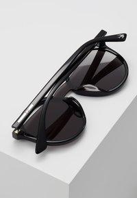 McQ Alexander McQueen - Occhiali da sole - black/smoke - 5