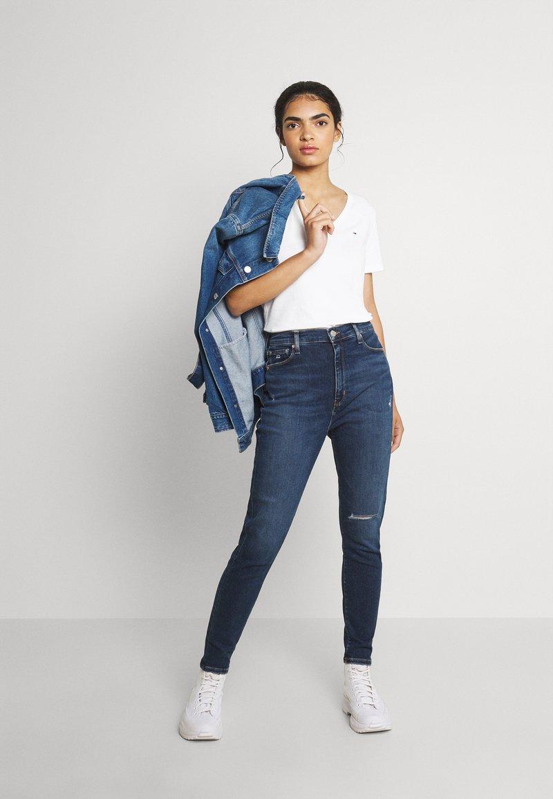 Tommy Jeans - SLIM SOFT V NECK TEE 2 PACK - Basic T-shirt - black/white