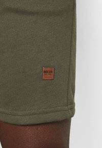 INDICODE JEANS - BRENNAN - Shorts - army - 4