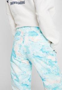 Rojo - ADVENTURE AWAITS PANT - Pantaloni da neve - light blue - 6