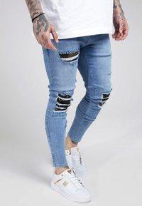 SIKSILK - BURST KNEE LOW RISE - Jeans Skinny Fit - midstone - 4