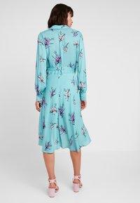 Levete Room - GRITA - Denní šaty - adriatic blue combi - 2