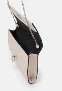 Dorothy Perkins - RING LOCK - Clutch - champagne - 2