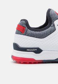Puma Golf - PROADAPT ALPHACAT - Golfskor - white/navy blazer/high risk red - 5