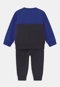 adidas Originals - CREW SET UNISEX - Trainingspak - blue - 1