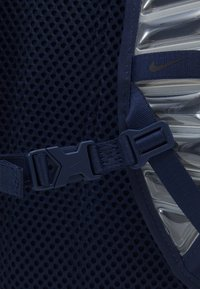 Nike Performance - UTILITY SPEED UNISEX - Batoh - midnight navy/black - 6