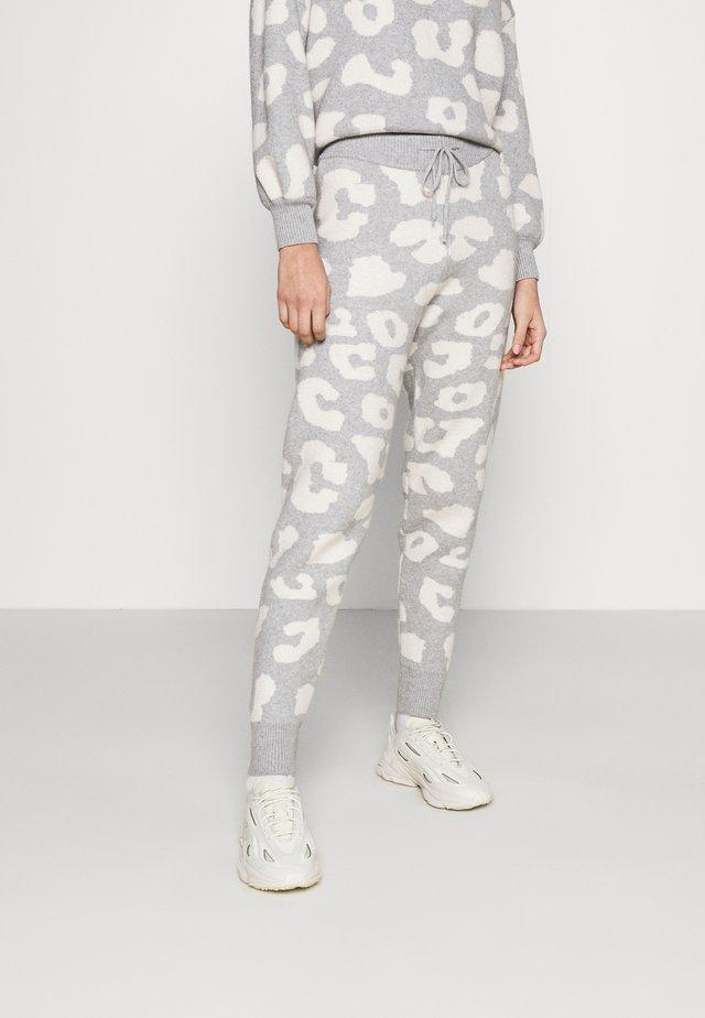 COPENHAGEN RESERVE TROUSER - Teplákové kalhoty - grey