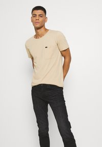Lee - LUKE - Jeans slim fit - worn magnet - 3