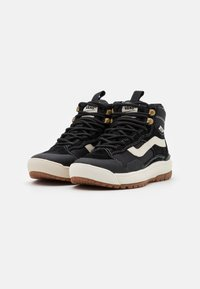 Vans - ULTRARANGE EXO MTE - High-top trainers - black - 1