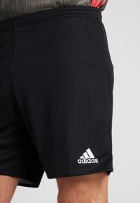 adidas Performance - PARMA PRIMEGREEN FOOTBALL 1/4 SHORTS - Sportovní kraťasy - black/white - 4