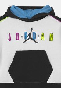 Jordan - COLOR OUTSIDE THE LINES - Felpa - white - 2