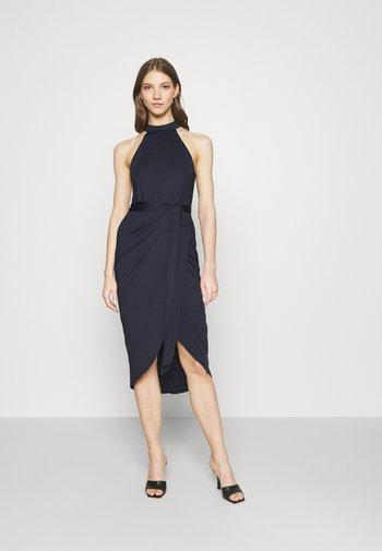 HIGH NECK PLEAT DRESS - Koktejlové šaty/ šaty na párty - navy