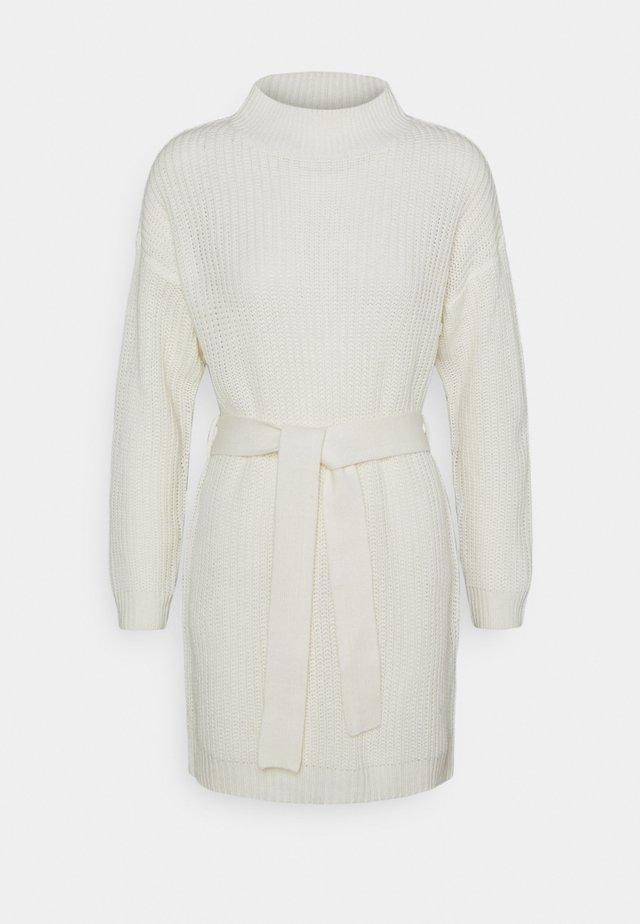 HIGH NECK BASIC DRESS WITH BELT - Neulemekko - offwhite