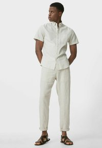 C&A - Spodnie materiałowe - creme - 1