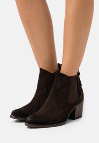 Kanna - Kotníkové boty - marron - 0