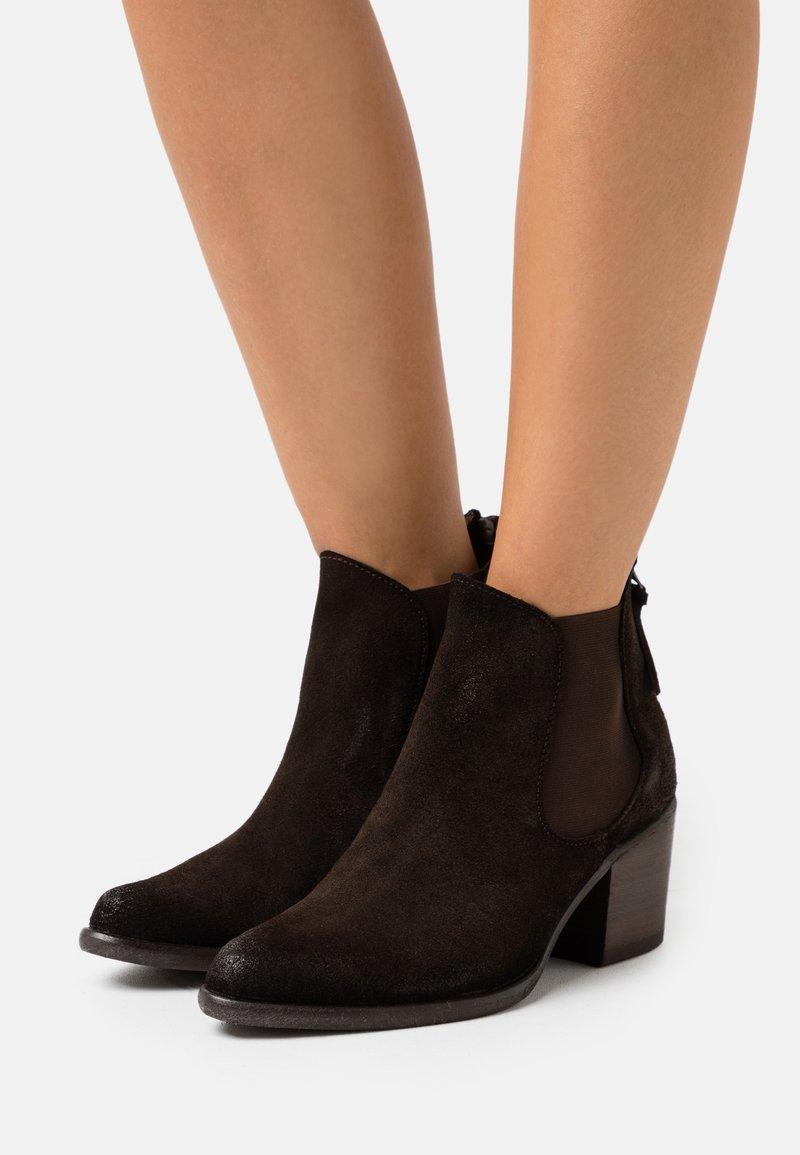 Kanna - Kotníkové boty - marron