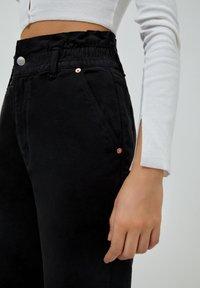 PULL&BEAR - PAPERBAG - Jeans baggy - black - 3