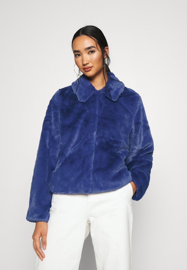 ICON FAUX FUR JACKET - Vinterjakke - grape