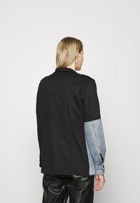 Desigual - DENVER - Kurtka jeansowa - black - 2