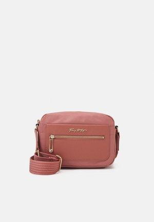 FRESH CAMERA - Camera bag - rose gold-coloured