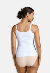 Carriwell - NURSING TOP WITH SHAPEWEAR - Undershirt - white - 2