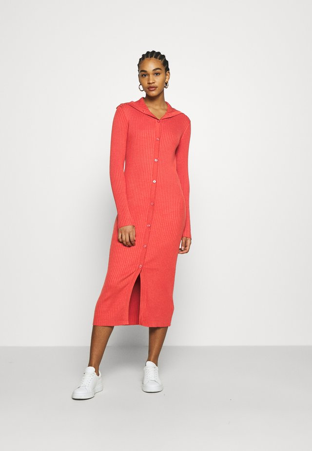 KATJA DRESS - Strickkleid - red