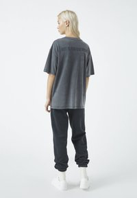 PULL&BEAR - Print T-shirt - dark grey - 2