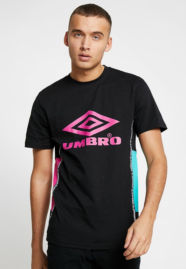 HORIZON CREW TEE - T-shirt print - black/berry pink/ceramic