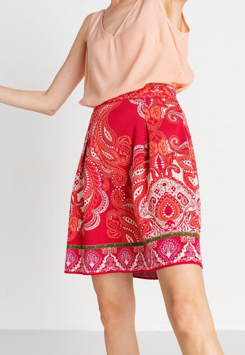 Ivko - Áčková sukně - red